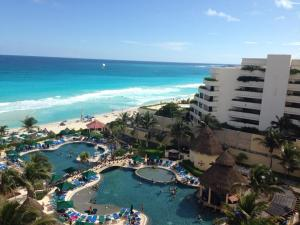 Cancun_Resort